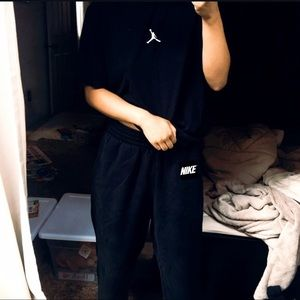 ✔️ Nike Black Sweatpants