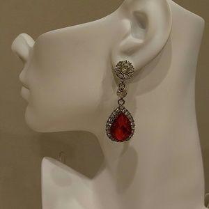 NWT RED & CLEAR RHINESTONE PIERCED EARRINGS