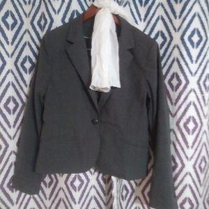 H& M Gray Plus-Size Blazer