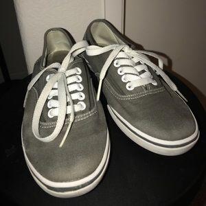 7.5 gray flat vans