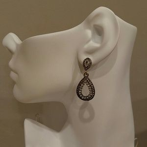 NWT ANTIQUE BRONZE EARRINGS WITH CLEAR RHINESTONES