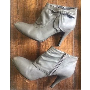Gray Zip-up Ankle Boots with Bow Detail