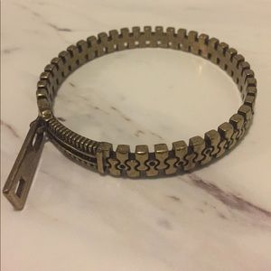 Jewelmint Zipper Bangle
