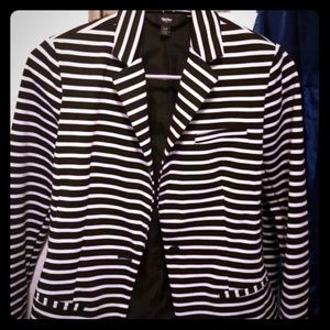 Striped black and white Womens blazer size xsmall