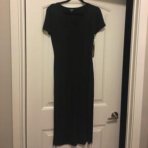 NWT LuLu's charcoal tee midi dress.
