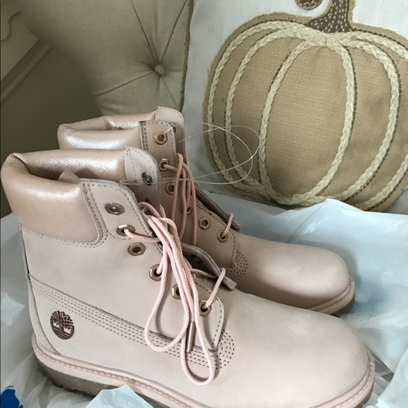 Rose gold pink timberlands women's size 8 NWT