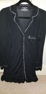 Victoria's Secret sleepshirt - black