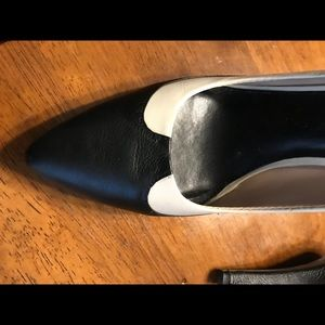 Banana Republic Black and White Heel.