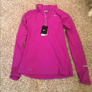 NWT Nike zip pullover