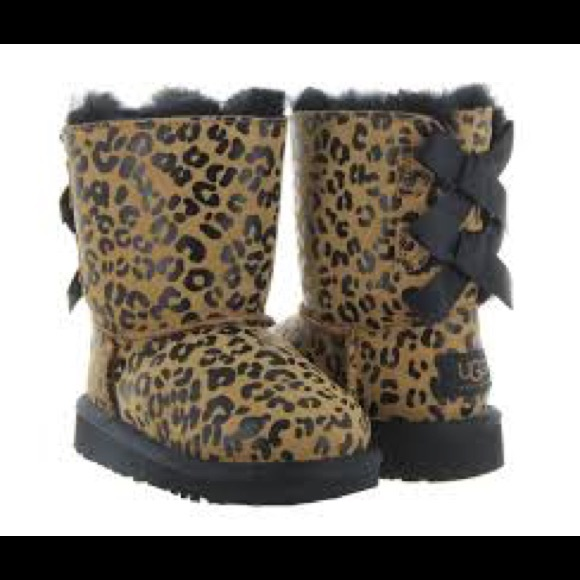 0bffff39d26 Ugg Bailey Bow Leopard girls boots size 12