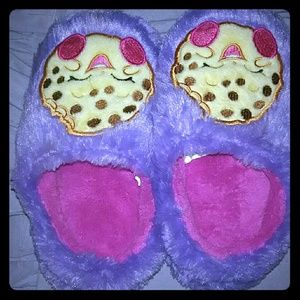 Other - Toddler Girls Shopkins Slippers