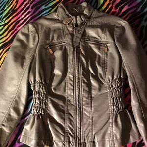 Guess faux leather gray jacket 💕