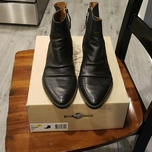 Gently Worn Women's Size 8.5 Leather Boots