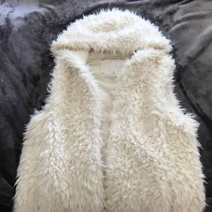NWT White Faux Fur Vest with Hood