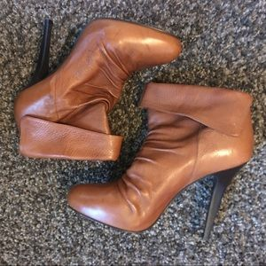 SOLD! Steve Madden Tan Leather Boots Heels