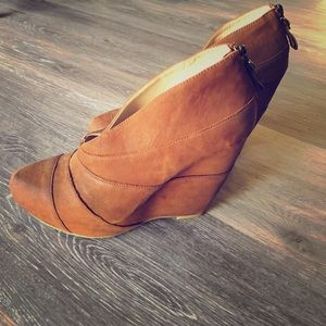 Anthropologie Wedges by Boutique 9