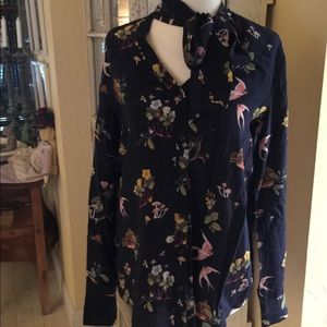 Ann Taylor Silk Blouse S Navy w birds Tie neck