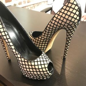 Giuseppe zanotti black and cream pump