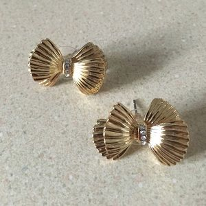 BRAND NEW Lilly Pulitzer Gold Bow Studs