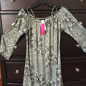 Dresses & Skirts - New dress.  Off shoulders.