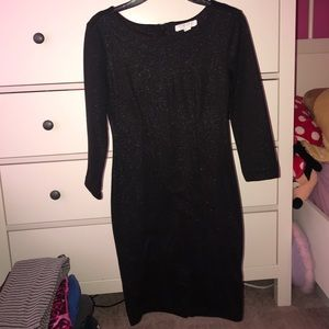 Black dress, with sleeves