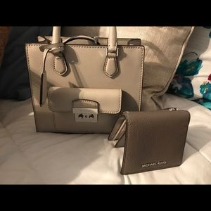 Michael kors small