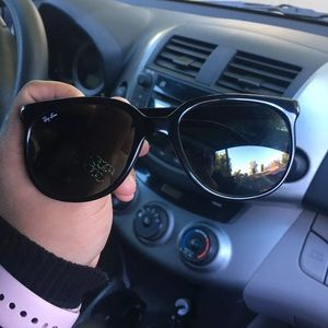 Accessories - Ray Bans