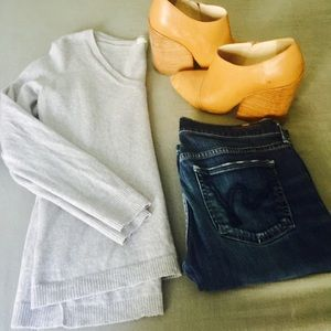 Madewell Light Grey V-Neck Sweater Size Small