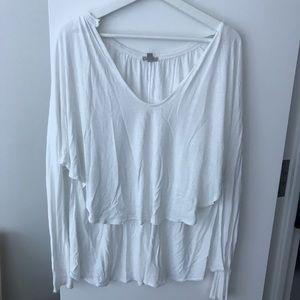 Hi-low long sleeve blouse