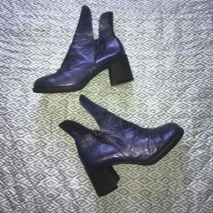 "Jan Jansen ""Sense"" Purple Metallic Block Boots"
