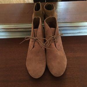 Nine West tan wedge booties