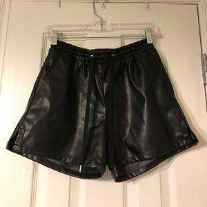 Vegan Leather Shorts. Black.