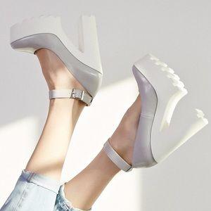 Forever 21 Lug Sole Grey Platform Pump Heels 💕