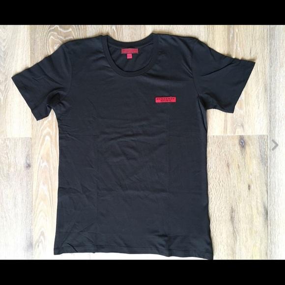 Burberry sport одежда подиум маркет онлайн