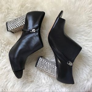 Nine West Snake Black Leather Booties Heels Sz 8