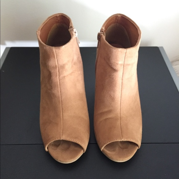 Qupid Faux Suede Peep Toe Booties Size