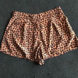 Spotted shorts