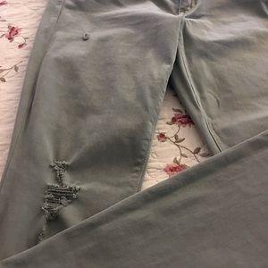 Gap destroyed legging skimmer pants !