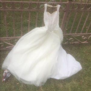 Wedding Dress Size 4 Color Ivory/Rum $150