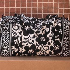 Vera Bradley Large Duffle Bag in Night & Day