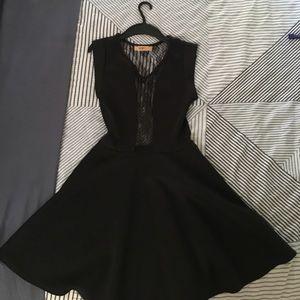 Dresses & Skirts - Perfect black dress