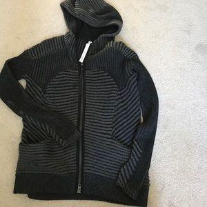 EUC lululemon sweater. Size 12 great deal!