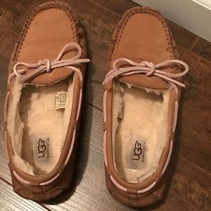 EUC Women's UGG Dakota Slippers 8M