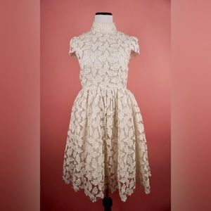White lily lace dress size S