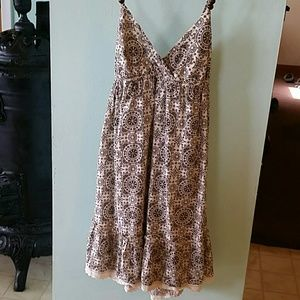Lei brown cotton dress with lace accent
