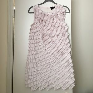 Gorgeous dress, in light pink.