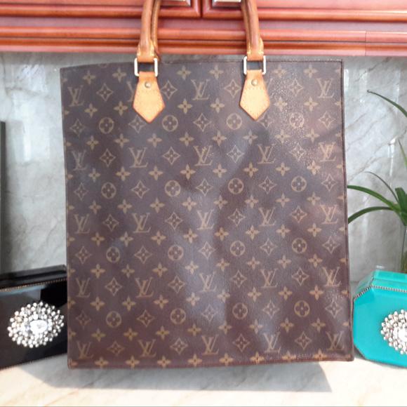 f115d7c8ed560 Louis Vuitton Handbags - TOTE Bag Louis Vuitton Sac Plat - Fits Lap Top