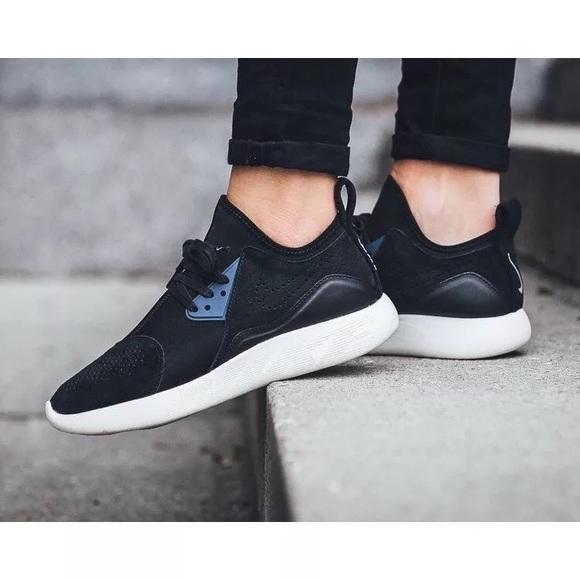 Women's Nike LunarCharge Premium Black Sneakers
