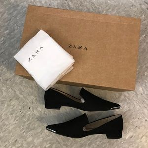NWT Suede Pointed Black Flats