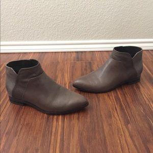 Nine West Grey Pointed Toe Chelsea Ankle Booties